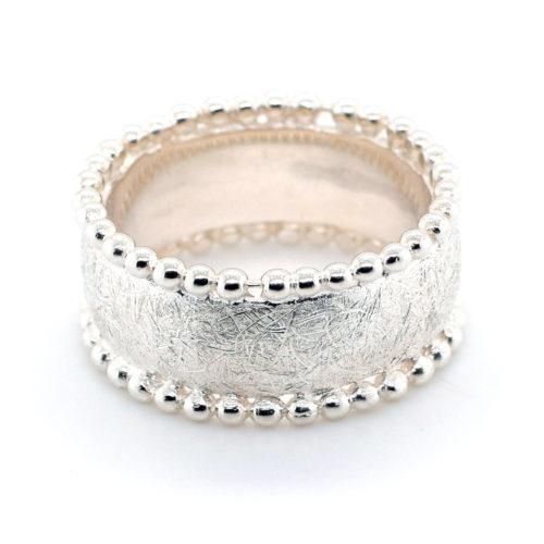 Ring Silber eisgekratzt mit Kügelchen