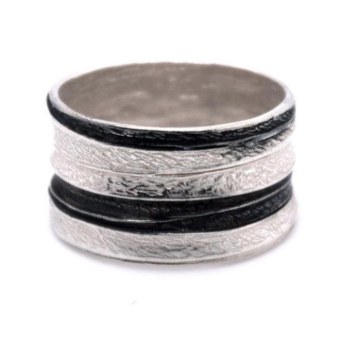 Ring Silber mit oxidierten Elementen