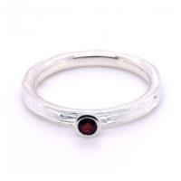 Ring Silber mit Granat