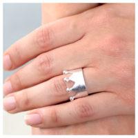 Ring Silber Krone an der Hand