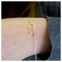 Armband vergoldet verschlungene Herzen am Arm