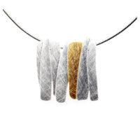 Silbernes Collier mit vergoldetem Element