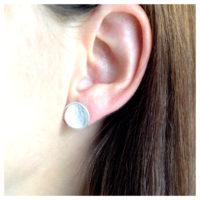 Ohrstecker Silber Scheiben am Ohr