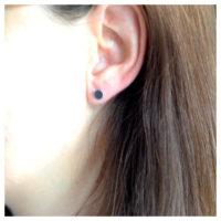 Ohrstecker Silber Plättchen groß am Ohr
