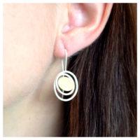 Ohrhänger Silber mit Feingold am Ohr